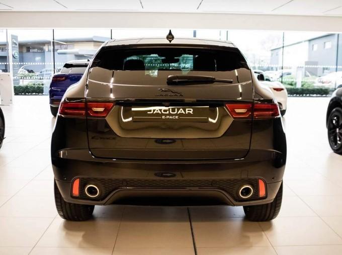 2021 Jaguar P200 MHEV R-Dynamic HSE Auto 5-door (Black) - Image: 5