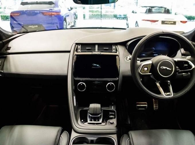 2021 Jaguar P200 MHEV R-Dynamic HSE Auto 5-door (Black) - Image: 8