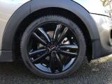 2020 MINI 5-door Cooper Sport (Silver) - Image: 14