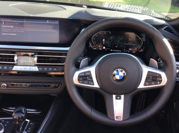 2020 BMW SDrive20i M Sport (Black) - Image: 5