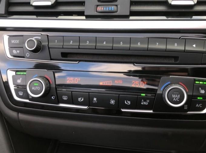 2015 BMW Convertible (Black) - Image: 23