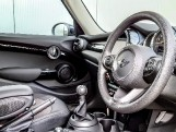2021 MINI 5-door Cooper Classic (Black) - Image: 9