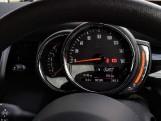 2021 MINI 5-door Cooper Classic (Black) - Image: 23
