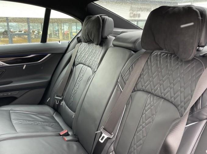 2018 BMW 740e M Sport Saloon (Grey) - Image: 12
