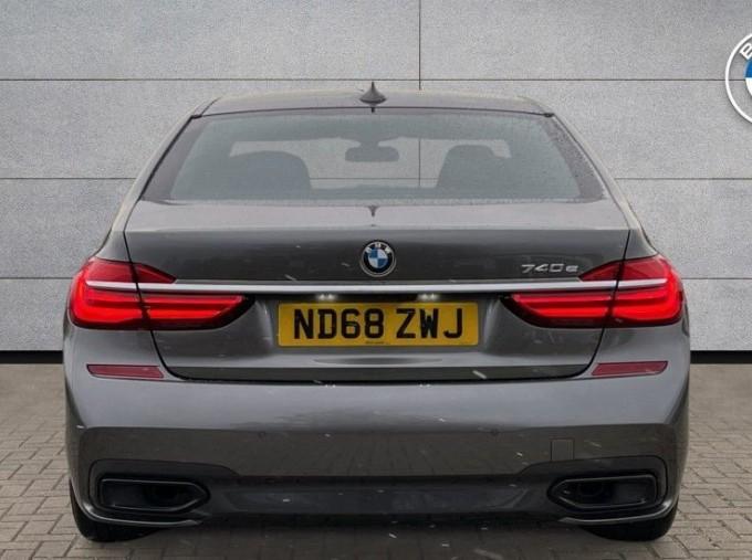 2018 BMW 740e M Sport Saloon (Grey) - Image: 15