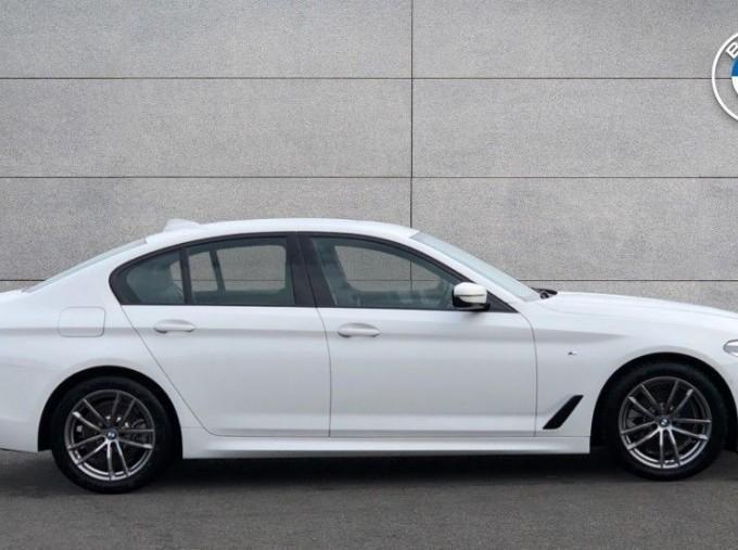 2020 BMW 520d M Sport Saloon (White) - Image: 3