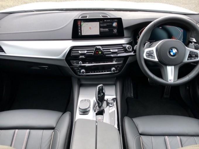 2020 BMW 520d M Sport Saloon (White) - Image: 4