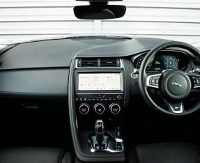 2019 Jaguar D180 HSE Auto 5-door (Black) - Image: 9