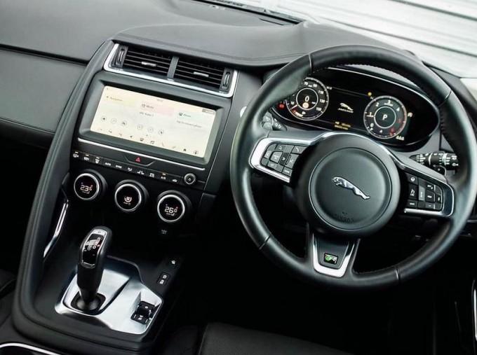 2019 Jaguar D180 HSE Auto 5-door (Black) - Image: 10