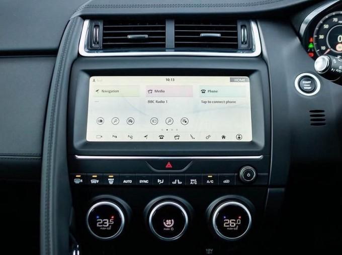 2019 Jaguar D180 HSE Auto 5-door (Black) - Image: 11