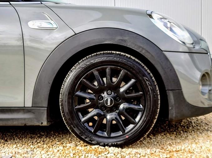 2017 MINI Cooper S 3-door Hatch (Grey) - Image: 4