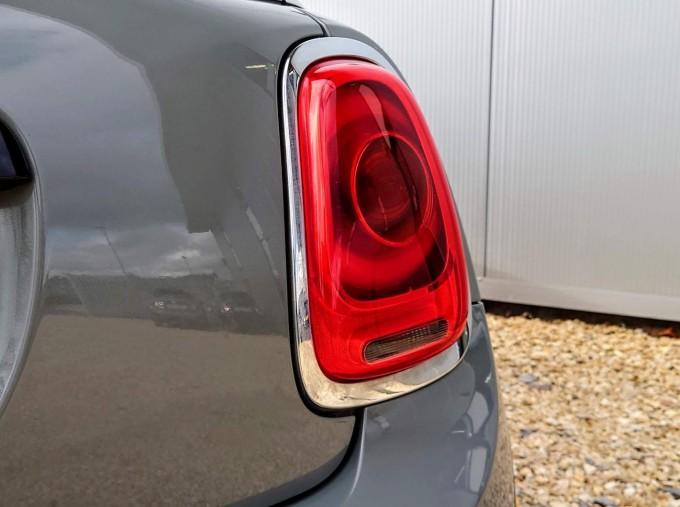 2017 MINI Cooper S 3-door Hatch (Grey) - Image: 6