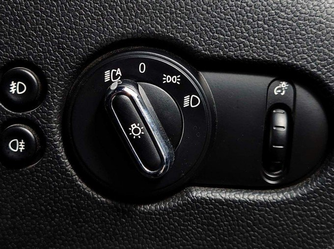 2017 MINI Cooper S 3-door Hatch (Grey) - Image: 20