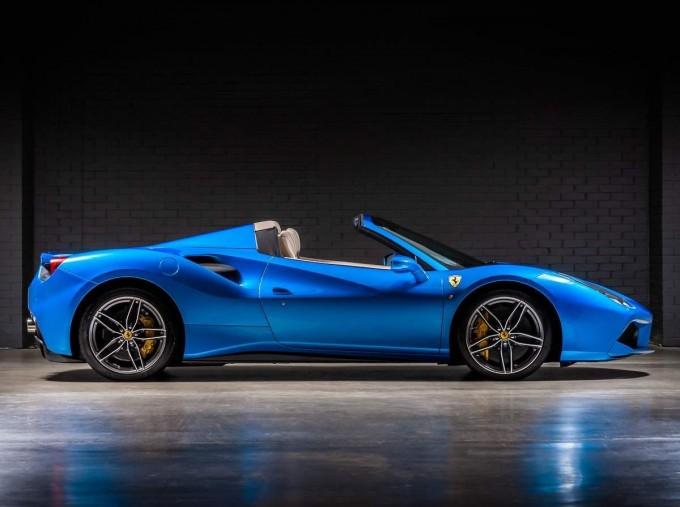 2016 Ferrari V8 Spider F1 DCT 2-door (Blue) - Image: 3