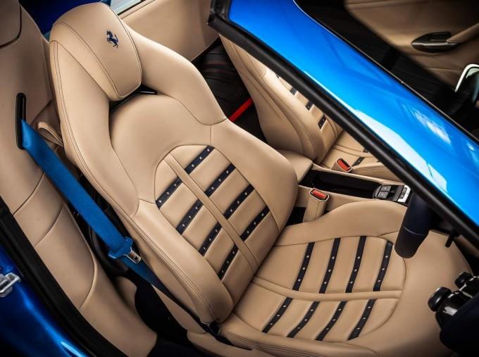 2016 Ferrari V8 Spider F1 DCT 2-door (Blue) - Image: 5