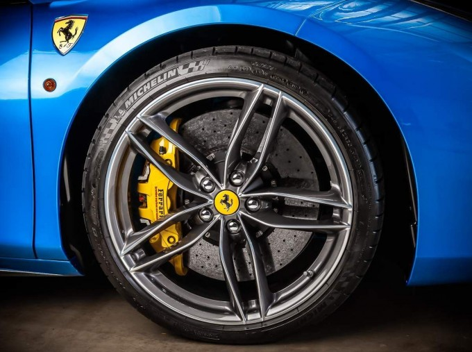 2016 Ferrari V8 Spider F1 DCT 2-door (Blue) - Image: 12