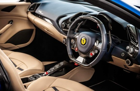 2016 Ferrari V8 Spider F1 DCT 2-door (Blue) - Image: 14
