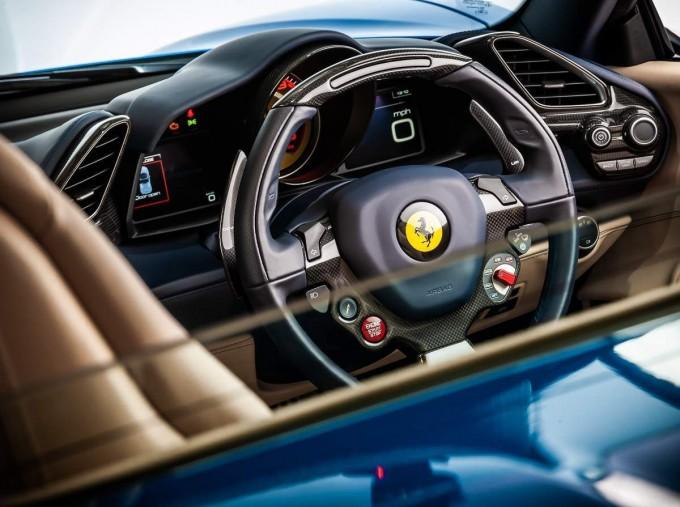 2016 Ferrari V8 Spider F1 DCT 2-door (Blue) - Image: 17