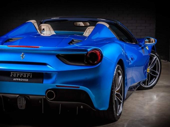 2016 Ferrari V8 Spider F1 DCT 2-door (Blue) - Image: 20