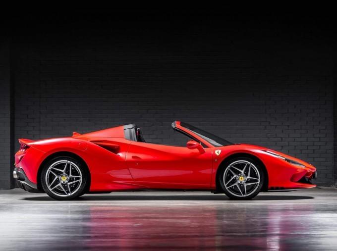 2020 Ferrari V8 Spider F1 DCT 2-door (Red) - Image: 3