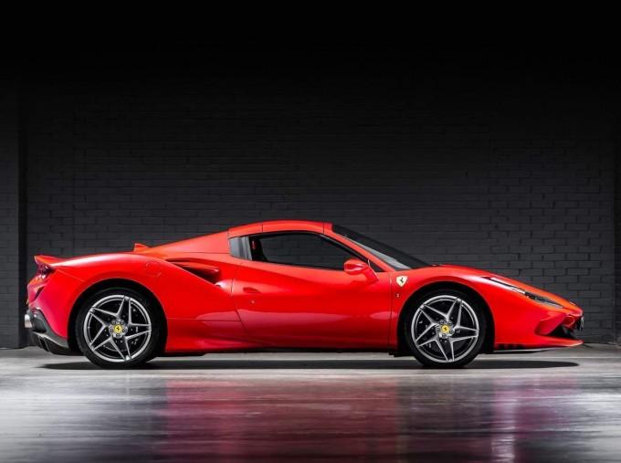 2020 Ferrari V8 Spider F1 DCT 2-door (Red) - Image: 13