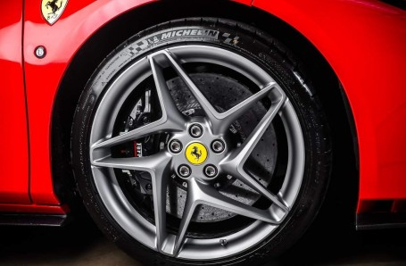 2020 Ferrari V8 Spider F1 DCT 2-door (Red) - Image: 15
