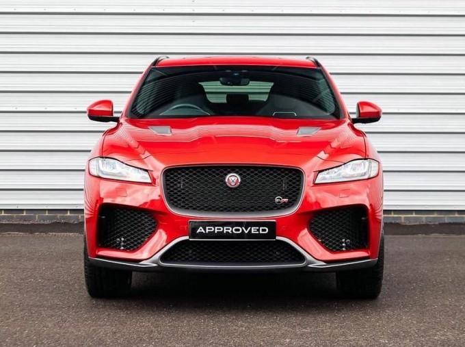 2019 Jaguar V8 SVR Quickshift 5-door (Red) - Image: 7