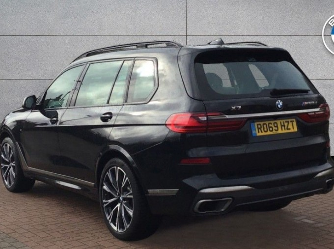 2019 BMW M50d (Black) - Image: 2