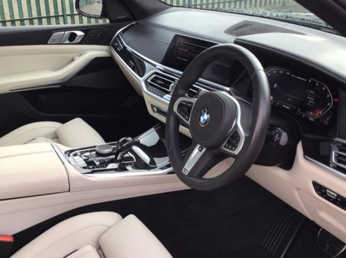 2019 BMW M50d (Black) - Image: 6