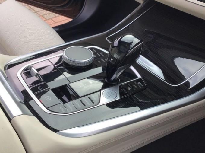 2019 BMW M50d (Black) - Image: 10