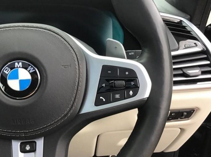2019 BMW M50d (Black) - Image: 18