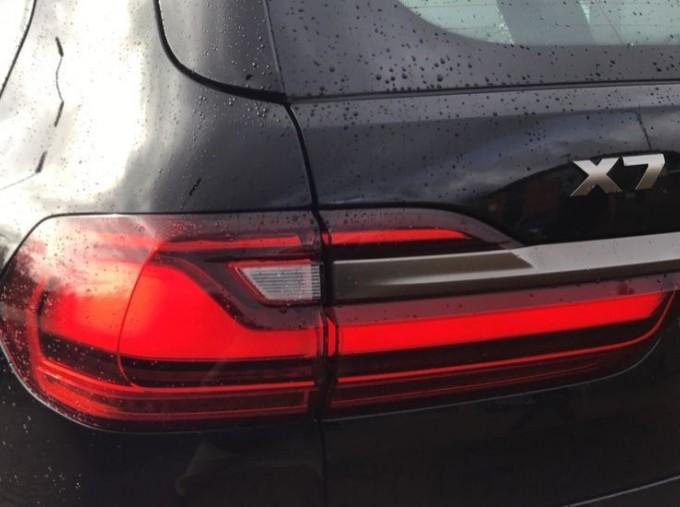 2019 BMW M50d (Black) - Image: 29