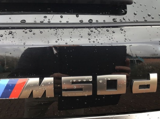 2019 BMW M50d (Black) - Image: 30