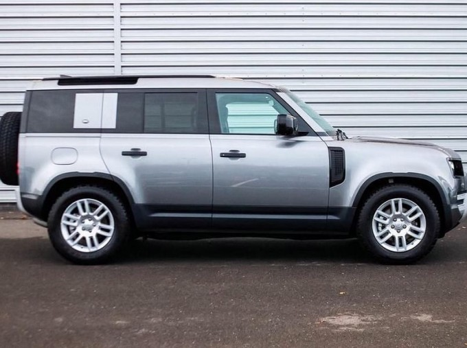 2020 Land Rover SD4 S Auto 4WD 5-door (Grey) - Image: 5