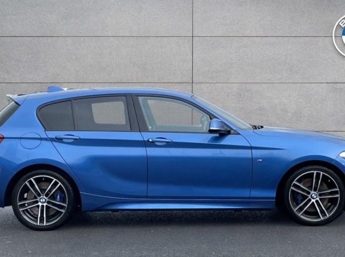 2019 BMW 118i M Sport Shadow Edition 5-door (Blue) - Image: 3