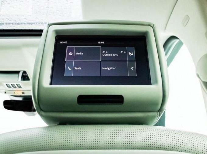 2017 Land Rover TD V6 HSE Luxury Auto 4WD 5-door (Grey) - Image: 14