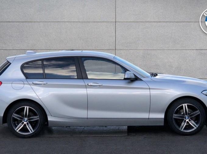 2017 BMW 118d Sport 5-door (Silver) - Image: 3