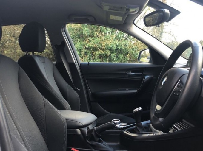 2017 BMW 118d Sport 5-door (Silver) - Image: 11