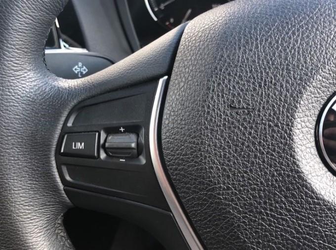 2017 BMW 118d Sport 5-door (Silver) - Image: 17