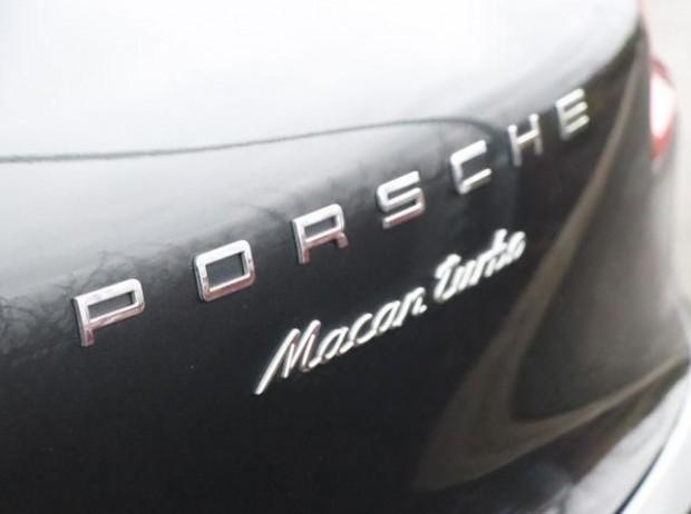 2017 Porsche Turbo PDK 4WD 5-door (Grey) - Image: 18