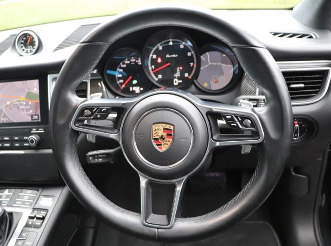 2017 Porsche Turbo PDK 4WD 5-door (Grey) - Image: 28