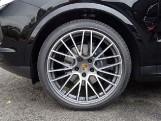 2020 Porsche V6 Tiptronic 4WD 5-door (Black) - Image: 3