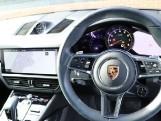 2020 Porsche V6 Tiptronic 4WD 5-door (Black) - Image: 18