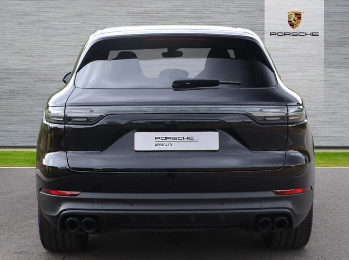 2020 Porsche V6 Tiptronic 4WD 5-door (Black) - Image: 22