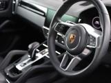 2020 Porsche V6 Tiptronic 4WD 5-door (Black) - Image: 30