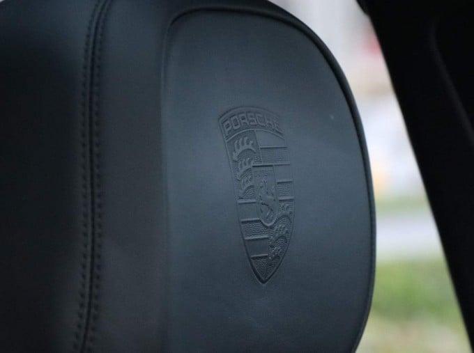 2020 Porsche V6 Tiptronic 4WD 5-door (Black) - Image: 32