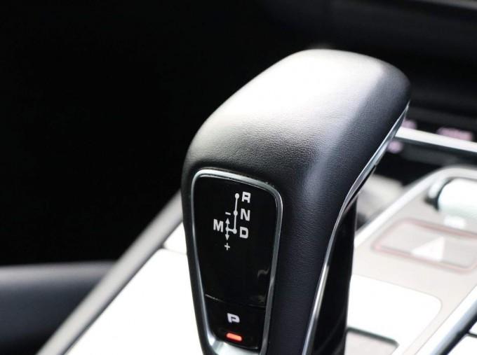2020 Porsche V6 Tiptronic 4WD 5-door (Black) - Image: 33