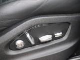 2020 Porsche V6 Tiptronic 4WD 5-door (Black) - Image: 36