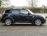 2020 MINI Cooper Exclusive (Black) - Image: 43