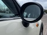 2015 MINI 5-door Cooper (White) - Image: 26